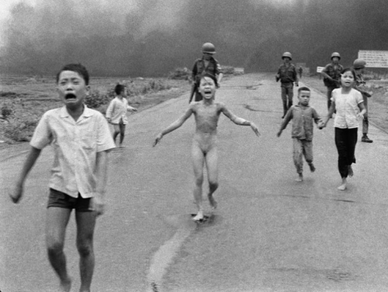 Trang Bang after a napalm attack - Nick Ut